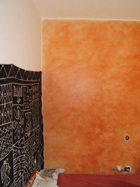 Vetrocemento sopra divano - Effetti decorativi pittura ...